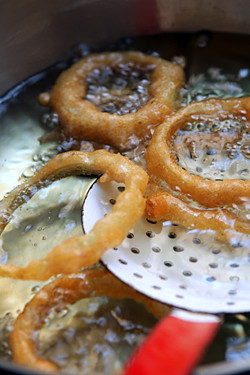 frying onion rings