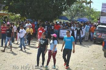 Marcha por arreglo de calles en la provincia Duarte