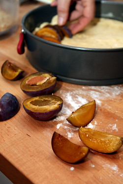assembling plum tart
