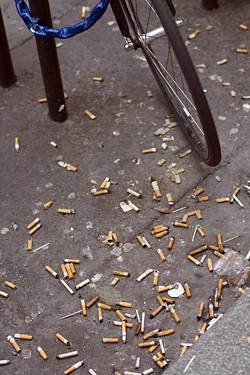 cigarette butts paris