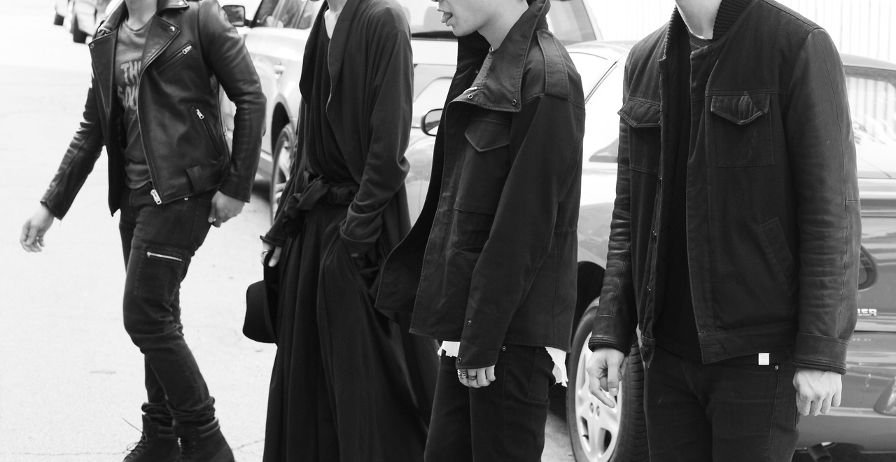 Tuukka13 - November Moodboard - Waist Deatails, Covered Faces, Hooded Rick Owens, Rick Owens High-Tops, Black Crews and Head To Toe White Outfits - 17