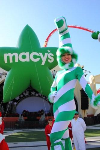 Macy's Holiday Parade demonstration at Universal Orlando 2012