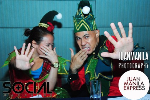 Andi Manzano and Rovilson Fernandez making fun of themselves as they were dressed as elves