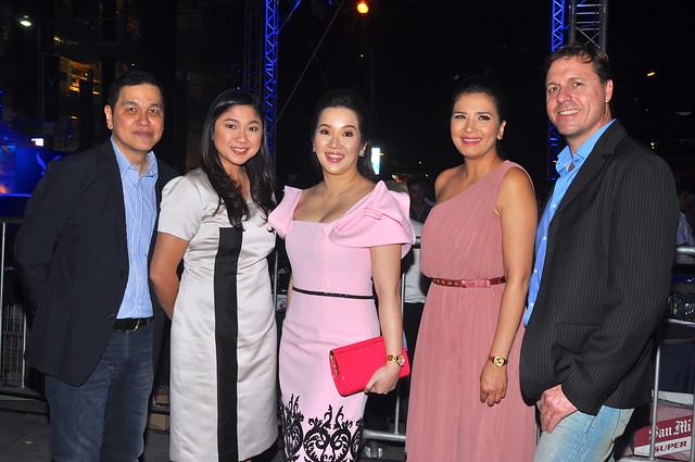 Ben Chan, Mayor Lani Cayetano, Kris Aquino, Zsa Zsa Padilla, and Simon Nankervis, (AEO VP for International Franchising and Global Business Dev't)