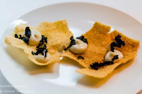 Marque - Quinoa cracker w/oyster & wakame