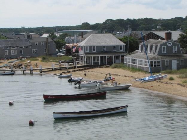 row boats black dog vineyard haven