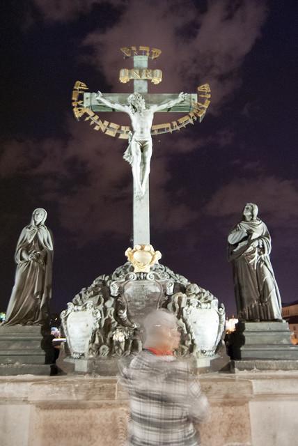 Estatua en el Puente de Carlos