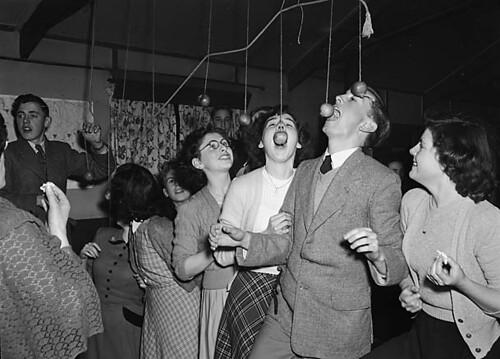 Apple-bobbing at Ditherington Hallowe'en party