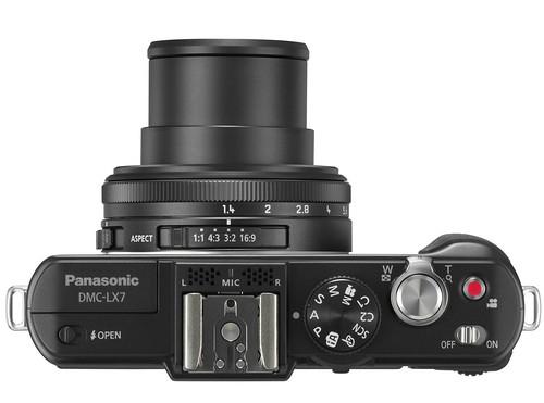 Panasonic-Lumix-LX7-06