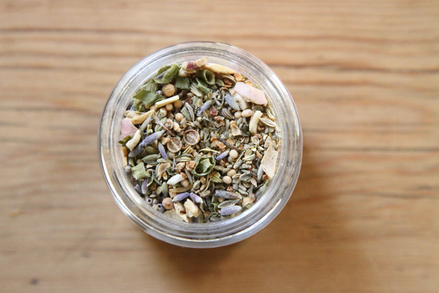 fennel citrus blend by the girl & the fig