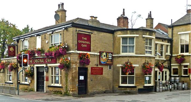 Los Pubs de Headingley a parte de guardar el encanto de la época han sido históricos observadores del famoso roble de Leeds.