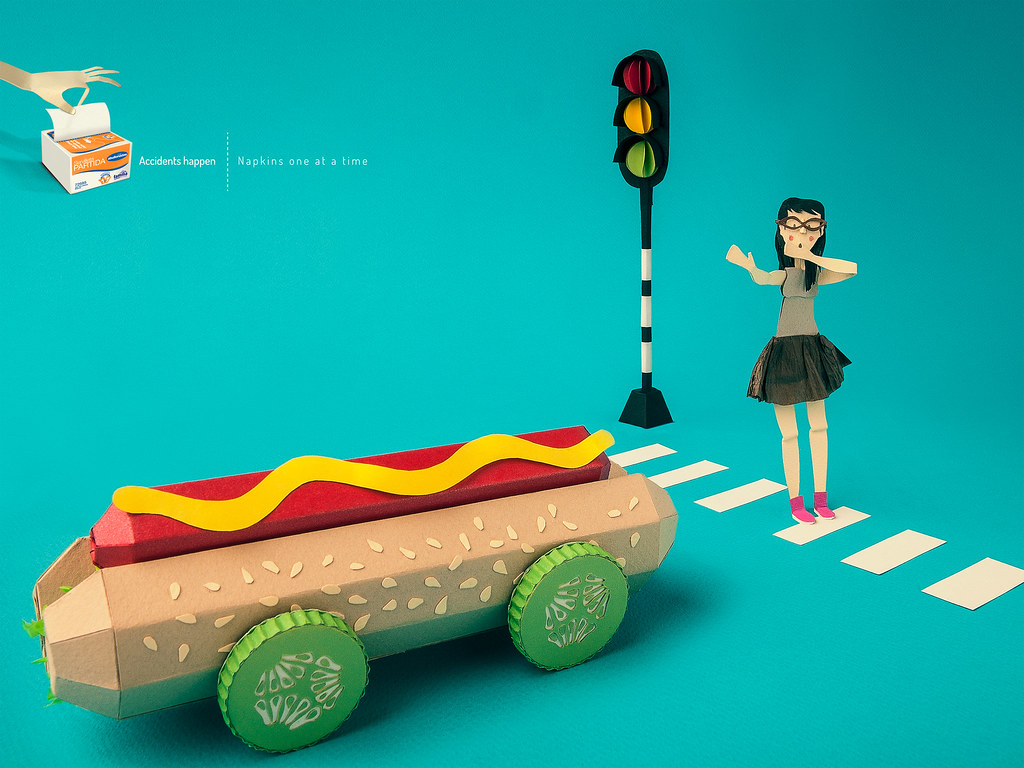 Familia Institucional Napkins - Accidents happen Hot Dog