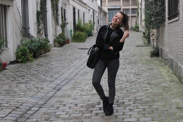 Tenue veste en cuir collier chocker et jean taille haute
