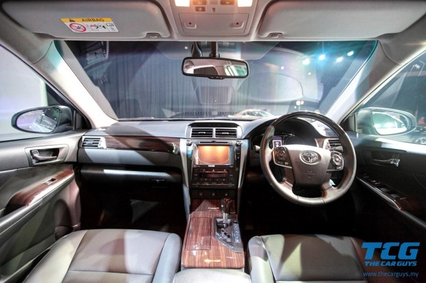 2015 Toyota Camry (17)