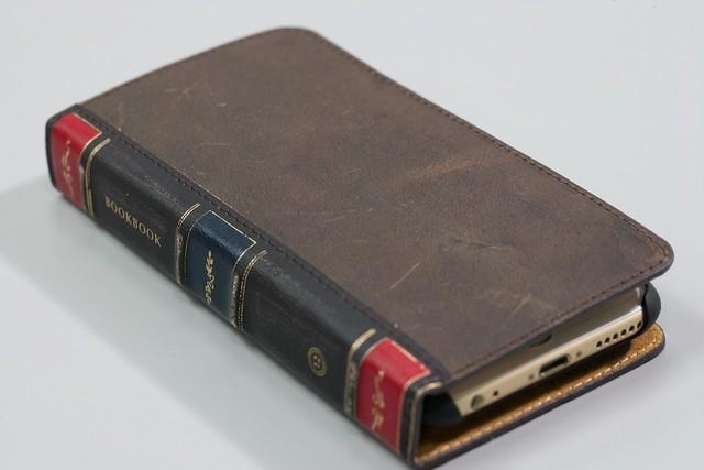 BookBook for iPhone 6