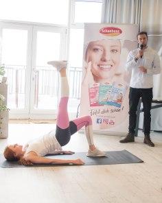Barbara Meier während des Fitness-Teils