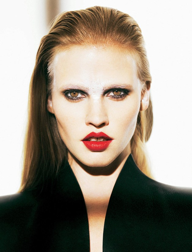 lara-stone-by-nico-for-madame-figaro-october-2013-8