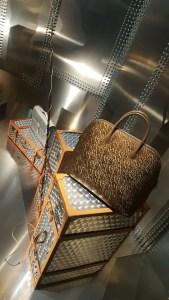 Hermès A tire-d'aile, les Mondes de Leïla Menchari @ Grand Palais - Sculpture du cheval par Christian Renonciat, printemps 2011