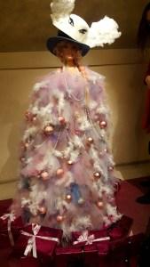 Le noël des créateurs @ Théâtre des Champs Elysées, Avenue Montaigne - MimiMe Paris, Barbie Royal Christmas Tree