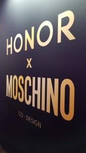 Présentation à la Salle Pleyel du Honor View20 x Moschino