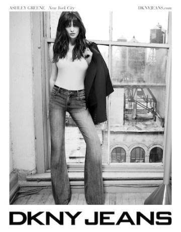 DKJNS-SP12-XXXX Jeans TS Billboard Ad_01B FashionDailyMag