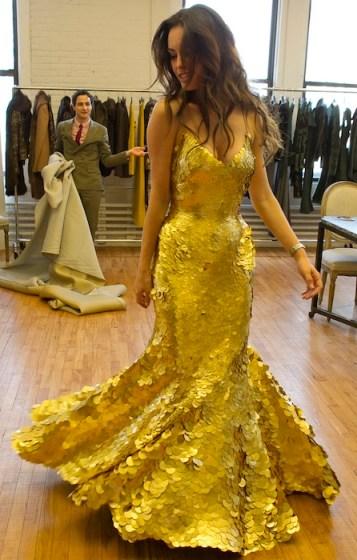 24K GOLD DRESS caroline correa in zac posen Magnum on FashionDailyMag