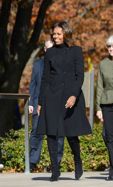 michelle obama in burberry on fashiondailymag