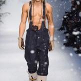 MOSCHINO FALL 2015 LCM FashionDailyMag sel 43
