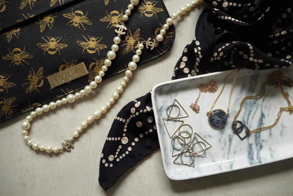 nookie design bee print clutch bag handbag