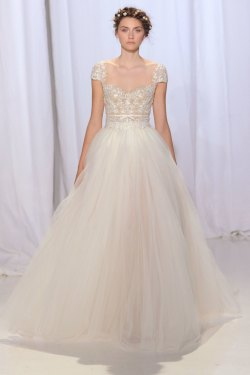 Perky A Look From Reem Acra Fall 2017 Bridal Imaxtree Wedding Dresses Hourglass Figure Wedding Dresses 2018 Fall 2017 Fashionista Wedding Dresses