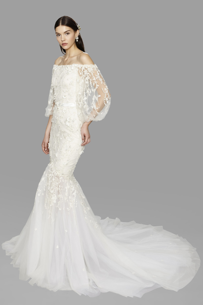 best wedding dresses fall wedding dresses for fall A look from the Marchesa fall bridal collection Photo Raul Tovar