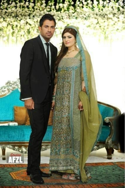 Wahab Riaz With His Wife at Waleema