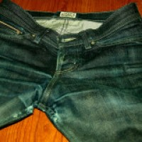 Keep your jeans fresh without washing them