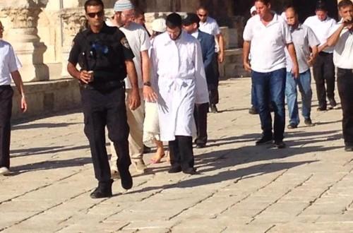 اقتحامات جديدة للأقصى وانتشار عسكري واسع في القدس