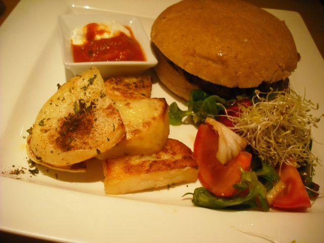 http://i2.wp.com/fatgayvegan.com/wp-content/uploads/2012/03/burger1.jpg?fit=640%2C480