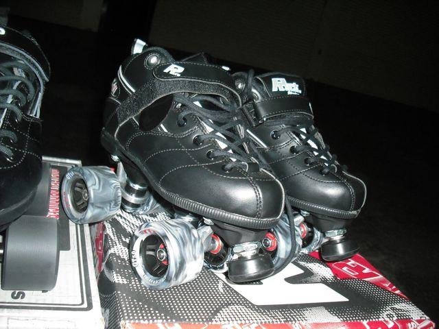 http://i2.wp.com/fatgayvegan.com/wp-content/uploads/2012/03/skates.jpg?fit=640%2C480