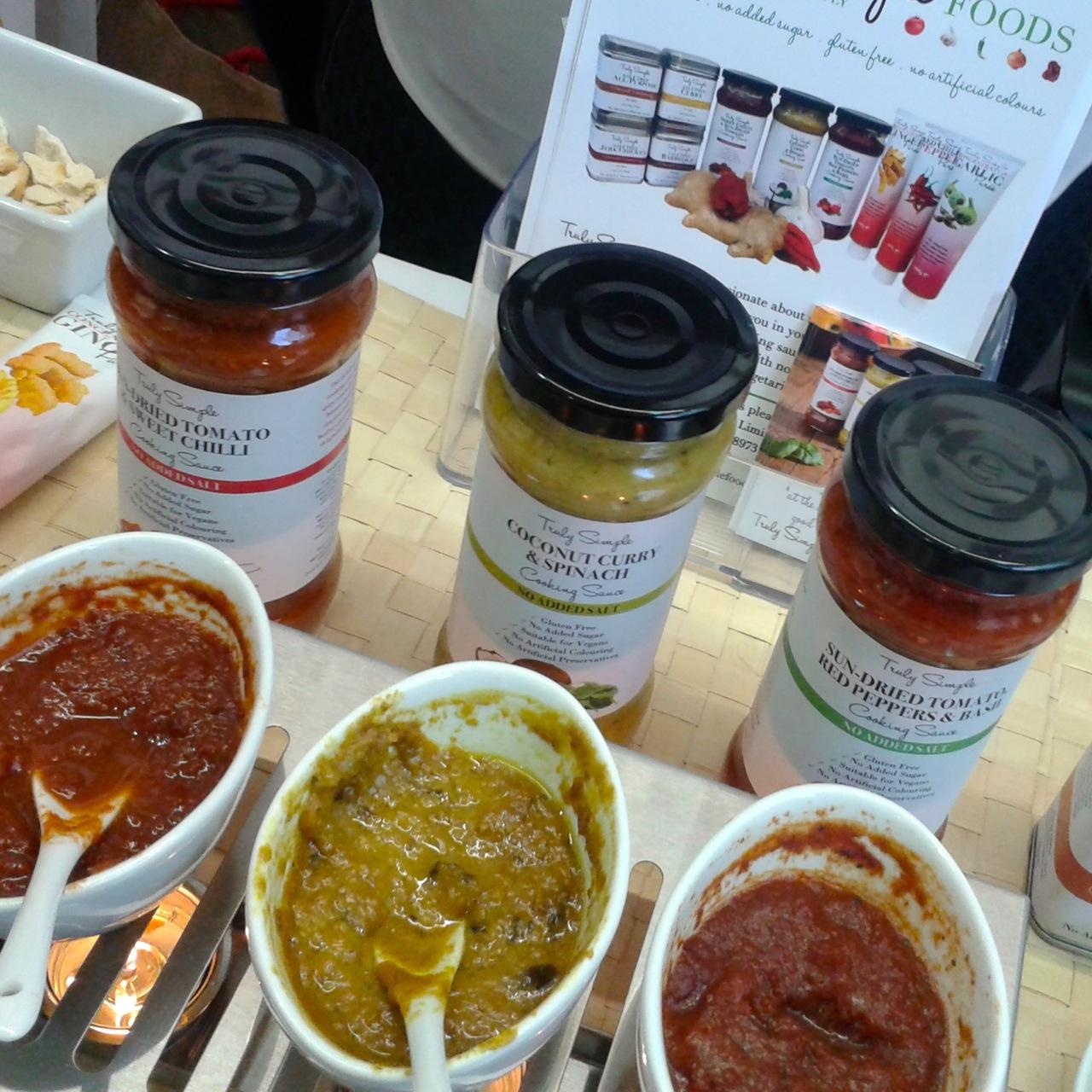 http://i2.wp.com/fatgayvegan.com/wp-content/uploads/2014/09/truly-simple-sauces.jpg?fit=1280%2C1280