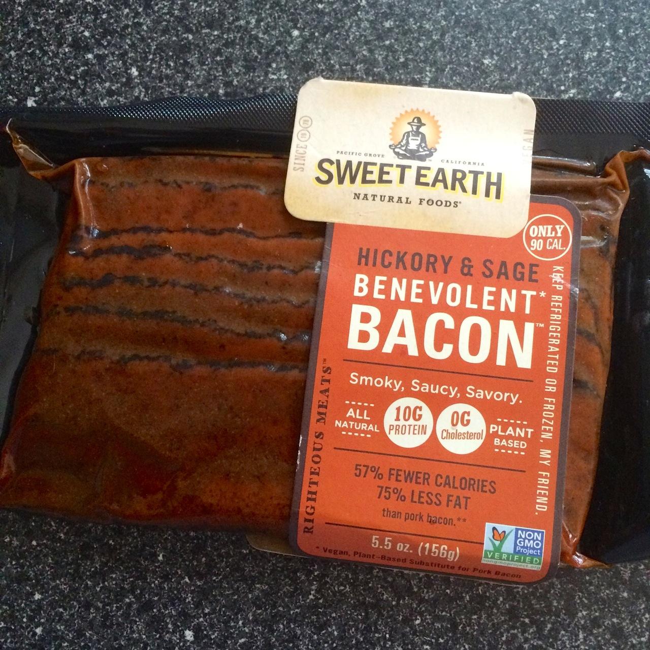 http://i2.wp.com/fatgayvegan.com/wp-content/uploads/2015/06/sweet-earth-seitan-bacon.jpg?fit=1280%2C1280