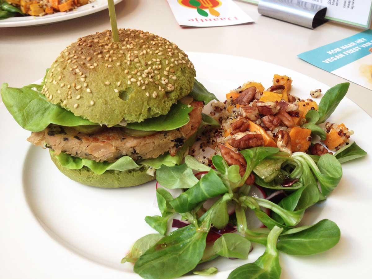 http://i2.wp.com/fatgayvegan.com/wp-content/uploads/2015/12/Daantje-vegan-Dordrecht-dutch-weed-burger.jpg?fit=1200%2C900