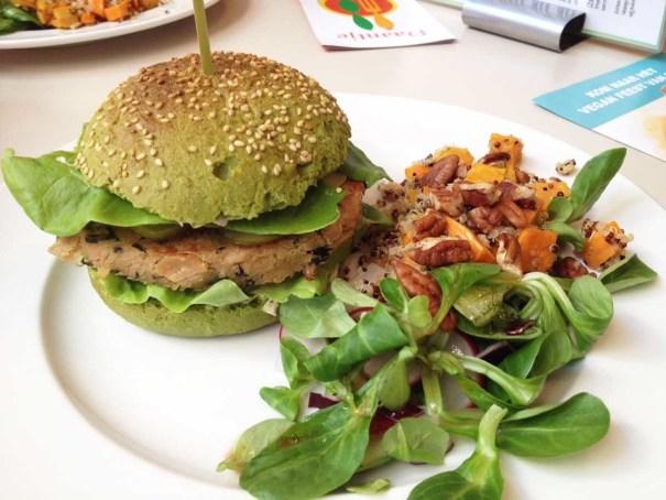 Daantje-vegan-Dordrecht-dutch-weed-burger
