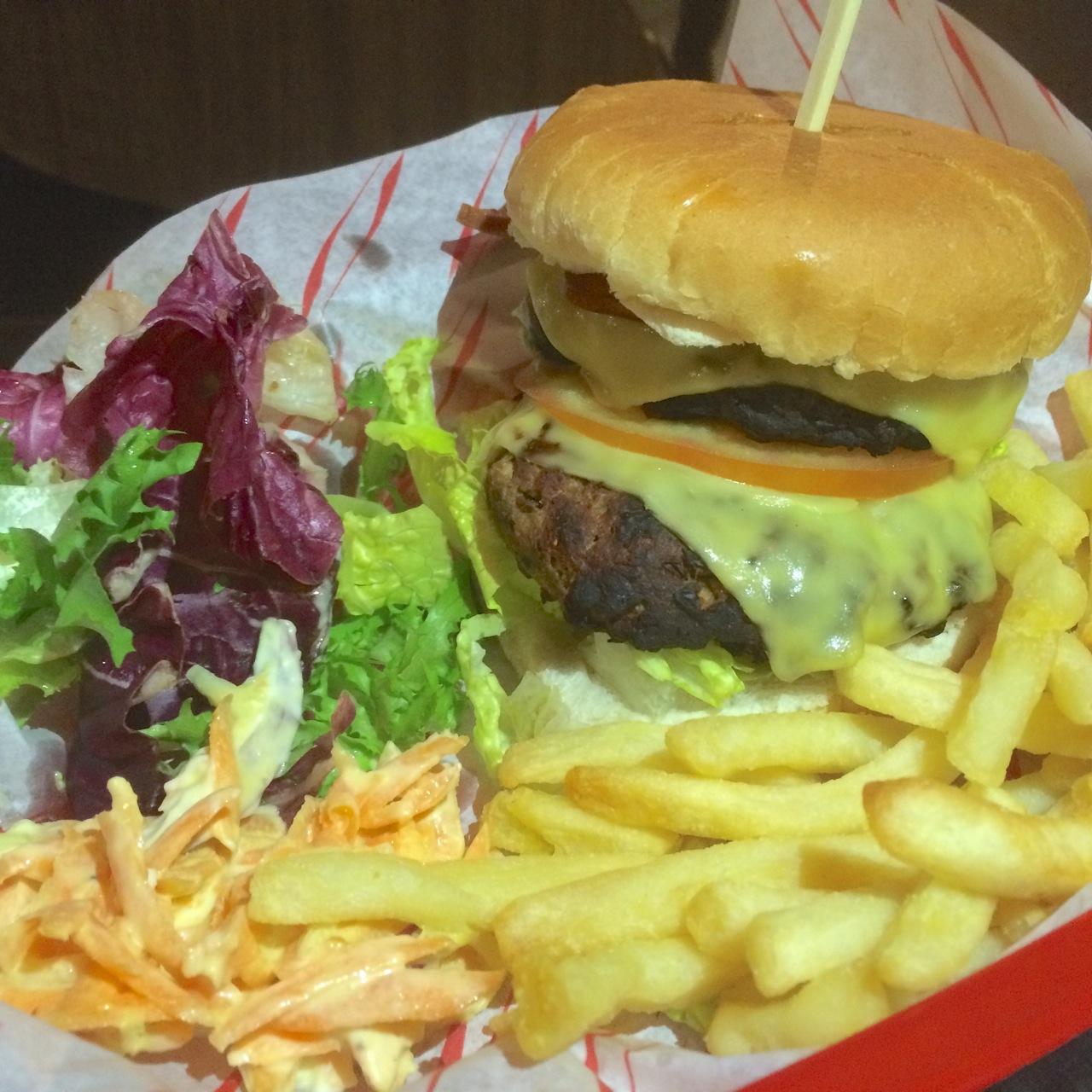 http://i2.wp.com/fatgayvegan.com/wp-content/uploads/2016/01/burger.jpg?fit=1280%2C1280