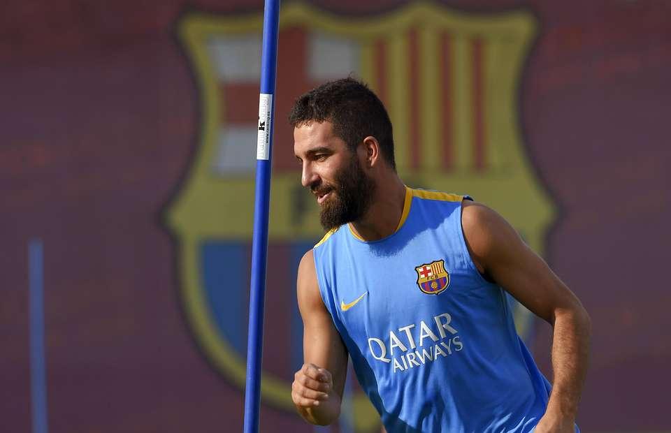 FIFA block Barcelona from registering Arda Turan