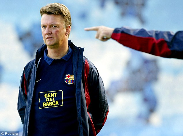 Xavi and Iniesta back Louis Van Gaal