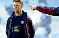 Xavi and Iniesta back Louis Van Gaal