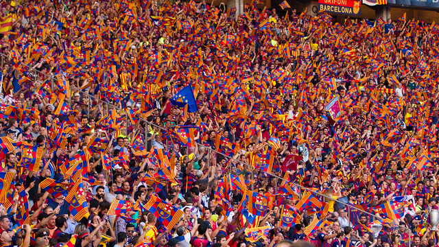 Barcelona fans whistles against CL anthem