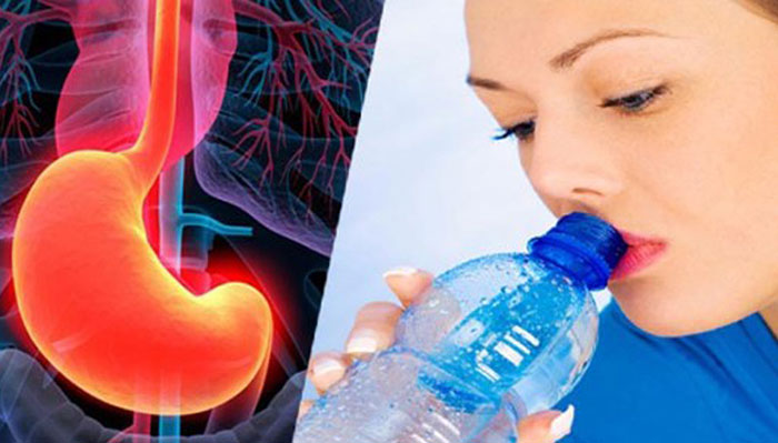 Drinking-Water-While-Having-Food-Is-Dangerous (1)