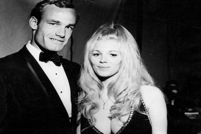 """Barry Goldwater Jr. & Heidi Parks """"Shoes of the Fisherman"""" Premiere 1968"""