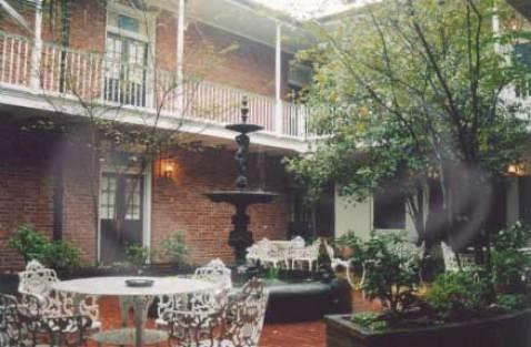 Hotel-Provincial-Courtyard
