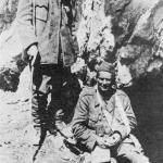 Tito (na slici s dr. Ivanom Ribarom u vrijeme bitke na Sutjesci) jedini je vrhovni komandant ranjen u toku II. svjetskog rata