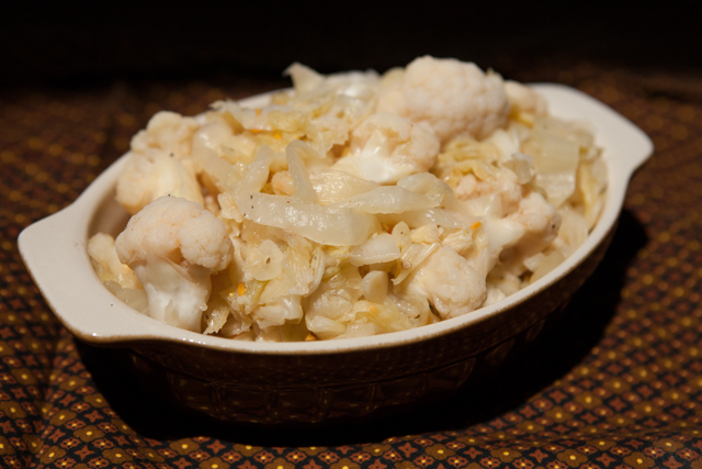 Spicy Indian Cauliflower Sauerkraut